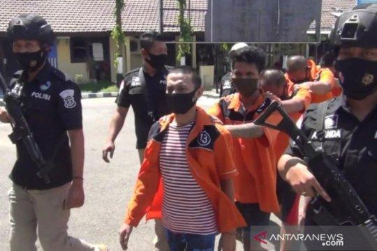 Selama dua pekan, polisi Tanjung Perak ungkap total 8 kg sabu-sabu