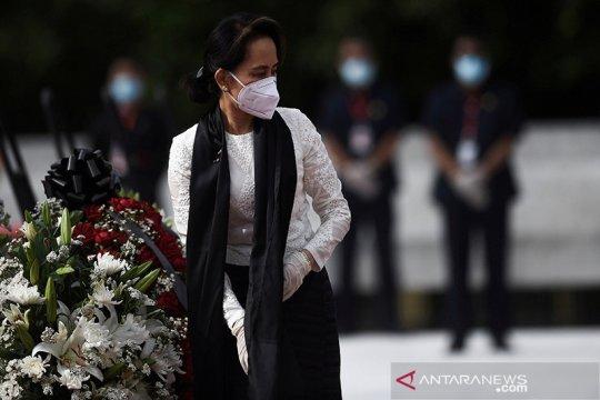 Suu Kyi batalkan kampanye pertamanya karena pandemi