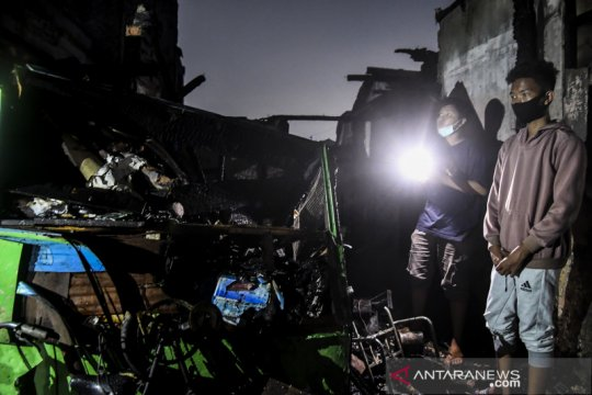Kebakaran permukiman di Jatinegara Barat