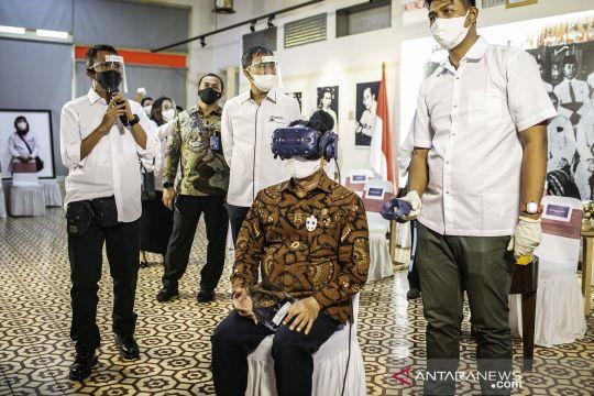 Pembukaan pameran foto Indonesia Bergerak
