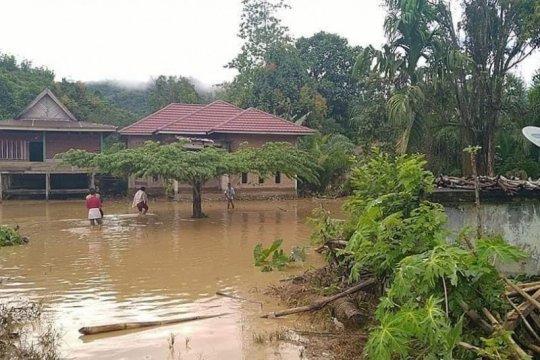 Basarnas Mamuju kerahkan personel ke lokasi banjir Bonehau