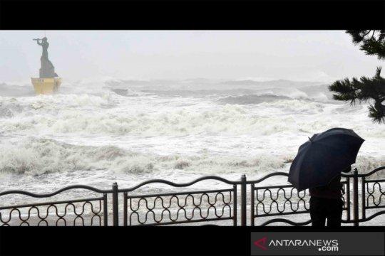 Topan Haisen mendarat di pesisir tenggara Korea Selatan