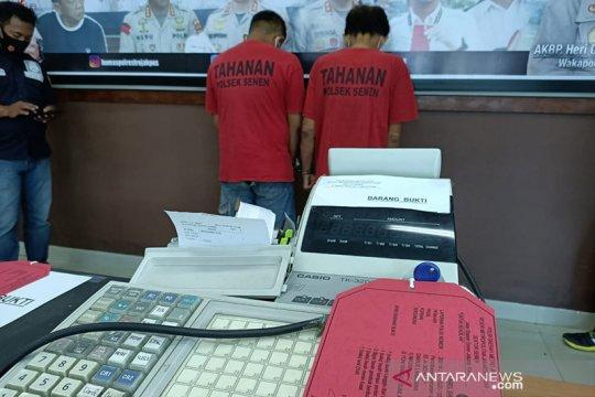 Polisi buru tiga orang pencuri Apotek di Kramat