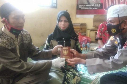 Tahanan kasus narkoba menikah di Polsek Medan Timur