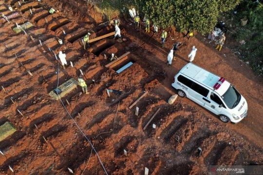 Wagub DKI minta warga tak khawatirkan ketersediaan makam COVID-19