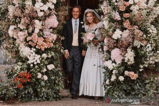 Gaun pengantin Putri Beatrice akan dipajang di Istana Windsor