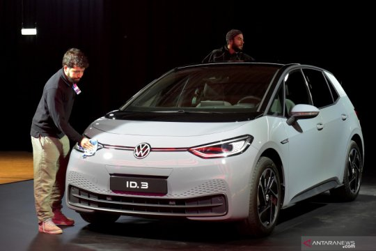VW sesumbar langkahi pencapaian Tesla
