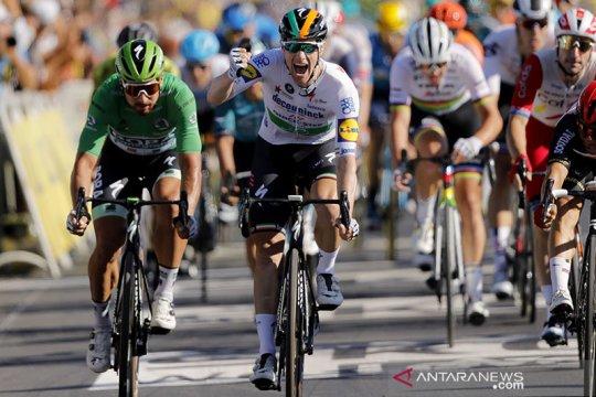Bennett ukir kemenangan etape perdananya di Tour de France