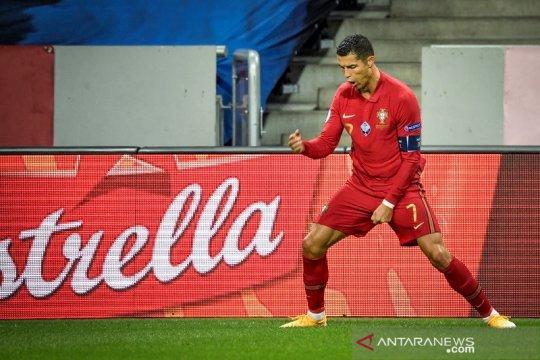 Ronaldo borong dua gol bantu Portugal pecundangi Swedia 2-0