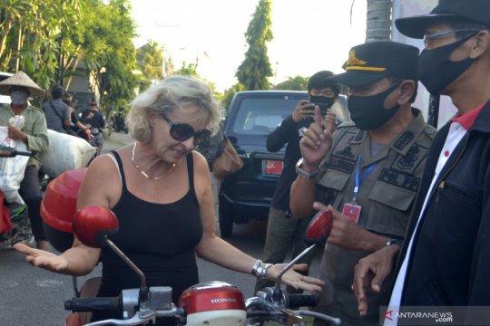 Puluhan WNA terjaring sidak masker di wilayah Badung Bali