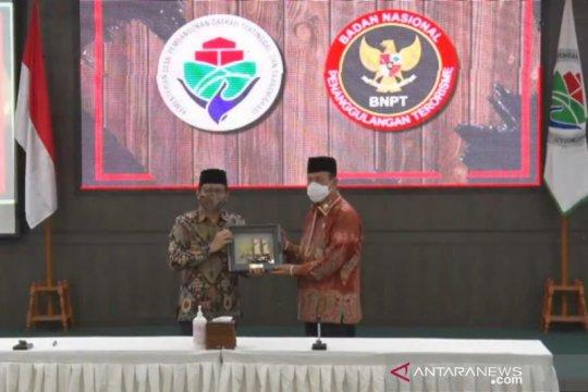 Kemendes PDTT-BNPT tandatangani MoU penanggulangan terorisme di desa