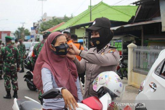 TNI-Polri-penyelenggara pemilu bagikan 34,3 juta masker