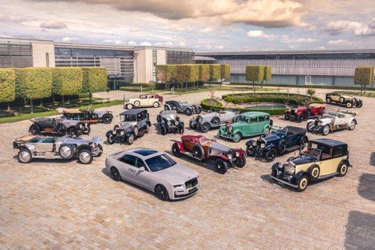 Komunitas Rolls-Royce tertua berkumpul rayakan kehadiran Ghost baru