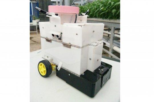 Robot penyiram tanaman dikembangkan IPB University