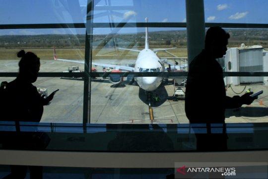 Perpanjangan jam operasi bandara El Tari Kupang