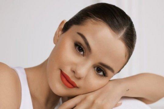 Selena Gomez rilis kosmetik untuk bantu masalah kesehatan mental