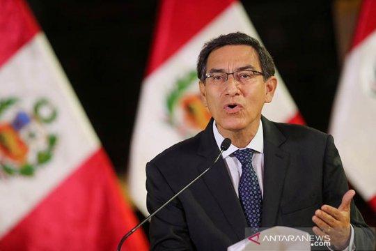 Diduga korupsi, Presiden Peru Vizcarra dilengserkan