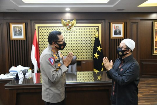 Hari Lalu Lintas Bhayangkara Ustaz Yusuf Mansyur apresiasi polantas