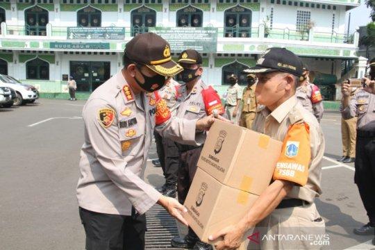 Pemkot Jaksel bagikan 50 ribu masker kepada masyarakat