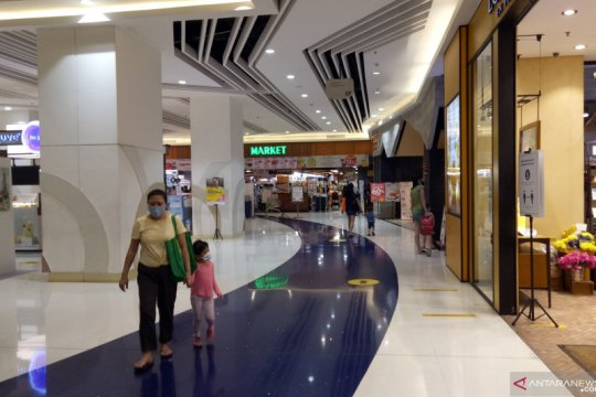 Pusat perbelanjaan Jakarta Utara lengang jelang PSBB total