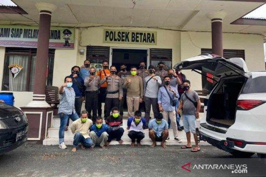 Polisi tangkap enam perampok di Kuala Betara Tanjab Barat
