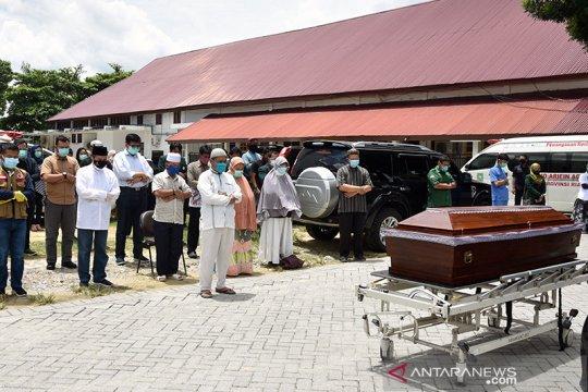 Dokter wafat akibat COVID-19 dishalatkan Gubernur Riau di RSUD