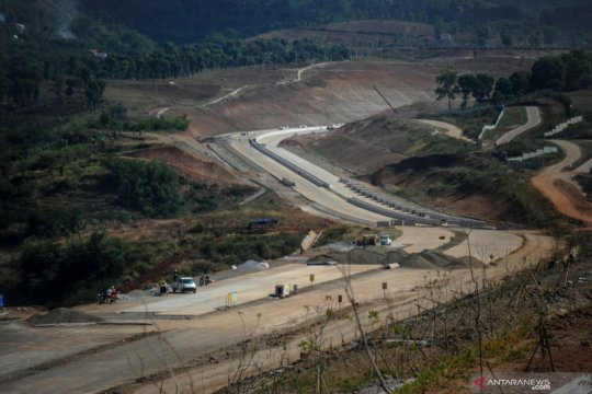 Pembangunan Jalan Tol Cisumdawu dipercepat, target selesai tahun ini