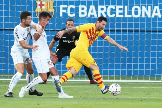Messi jadi kapten Barca saat menang 3-1 pada laga persahabatan