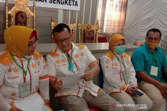 Pasangan bakal calon independen Ike-Zam tak puas putusan Bawaslu