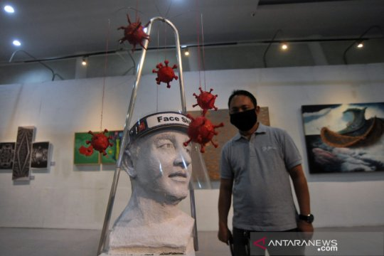 Pameran seni rupa di Padang