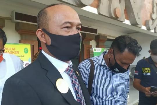 PN Denpasar kaji permohonan penggantian majelis hakim kasus Jrx SID
