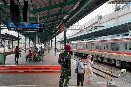 PSBB Jakarta, jumlah penumpang di Stasiun Manggarai menurun