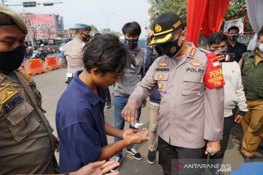Puluhan warga Bekasi terjaring razia masker