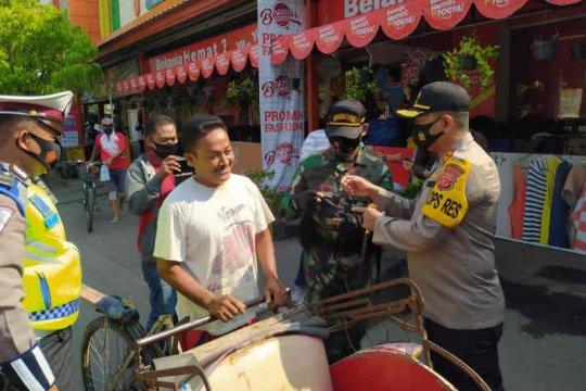 Operasi yustisi protokol kesehatan di Indramayu jaring 3.234 pelanggar