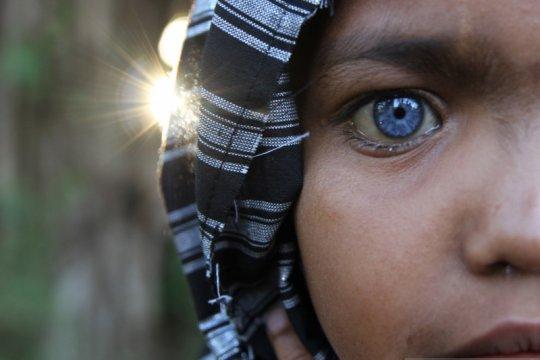 Mata biru dari suku Buton