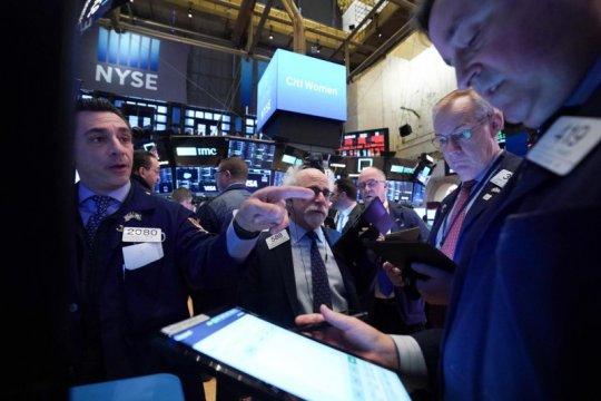 Wall Street dibuka lebih tinggi, Indeks Dow Jones melonjak 210,78 poin
