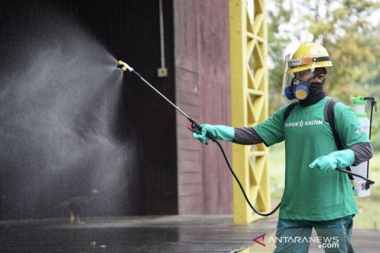 Pupuk Kaltim disinfeksi fasilitas publik di Bontang libatkan relawan