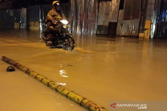 Hujan deras di Sorong akibatkan banjir dan longsor, dua meninggal
