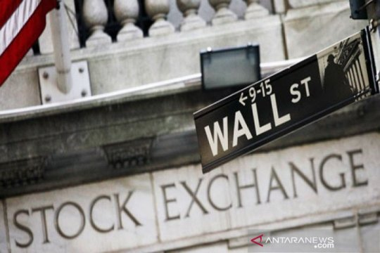 Tunggu debat calon presiden AS, Wall Street berakhir lebih rendah