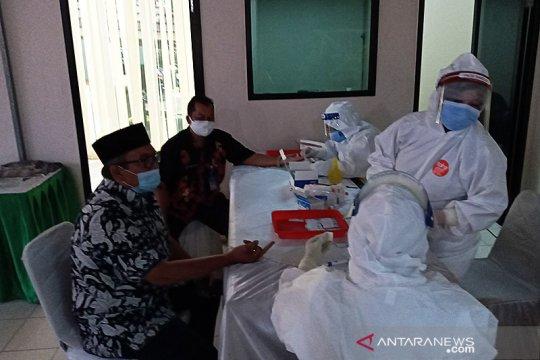 55 anggota DPRD Banten jalani rapid test COVID-19