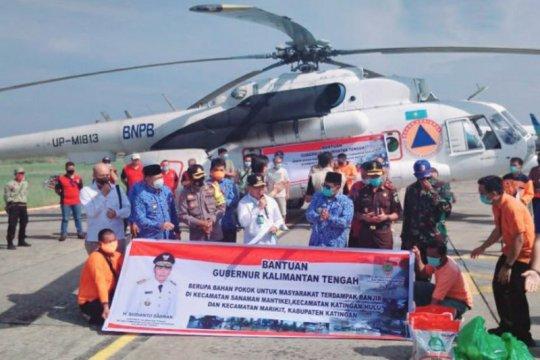 Helikopter BNPB distribusikan bantuan  Kalteng ke daerah terisolir