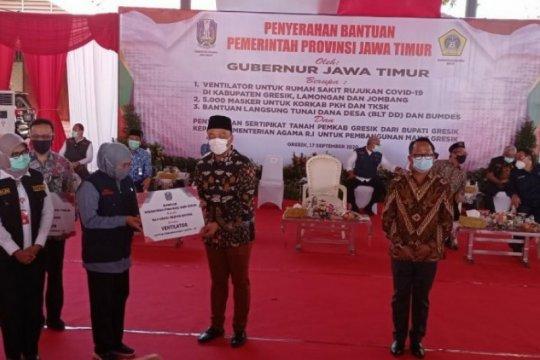 Gubernur Jatim serahkan bantuan ventilator untuk 17 RS di tiga daerah