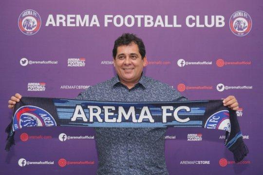 Arema FC kenalkan pelatih baru asal Brasil Carlos Oliveira
