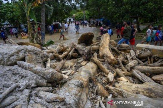 Korban terdampak banjir di Sigi butuh air bersih
