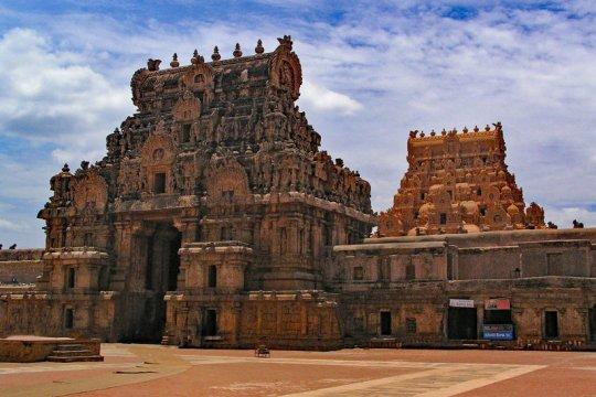 Inggris kembalikan tiga patung curian dari kuil India pada 1978