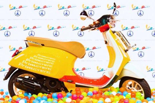 Vespa Primavera Sean Wotherspoon, skuter fesyen seharga Rp85 juta