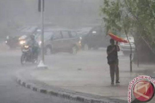 BMKG prakirakan awal musim hujan 2020/20201 di NTT akhir Oktober