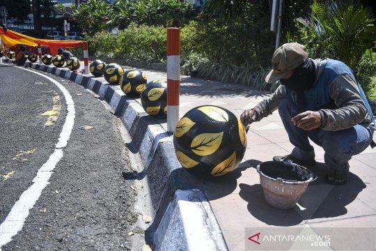 Perawatan bollard pedestrian di Surabaya