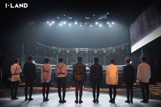 """Final """"I-LAND"""" malam ini akan diramaikan BTS, TXT & kejutan 22 peserta"""