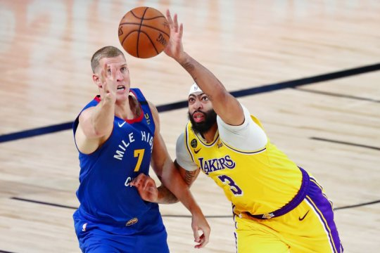 Lakers atasi Nuggets di gim pertama final Wilayah Barat